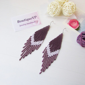 Plum earrings Beadwork earrings Beaded earrings Violet earrrings Boho earrings Ombre earrings Dangle beaded earrings Fringe earrings