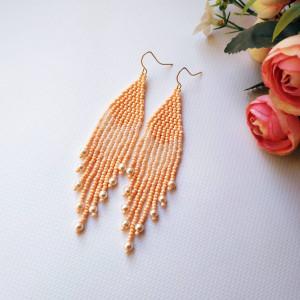 Bead earrings Seed bead earrings Beige peach earrings Fringe earrings Bohemian earrings Pearl Statement earrings handwoven earrings