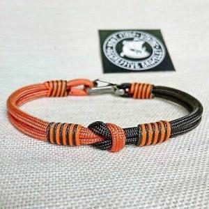 Climber bracelet. Bangle rope. Paracord carabiner bracelet. Adventure bracelet
