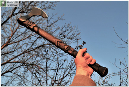 """Viking personalized ax """"Dark Elf""""- Othila is the Rune which says about the need to leave outdated things and habits. Fully useful!"""